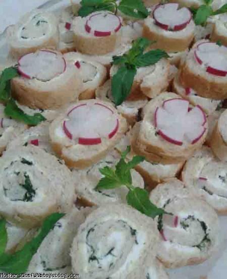 تزیین نون و پنیر و سبزی افطار