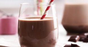 خوردن شیر کاکائو در شب