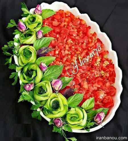 تزیین سالاد کاهو و کلم و هویج