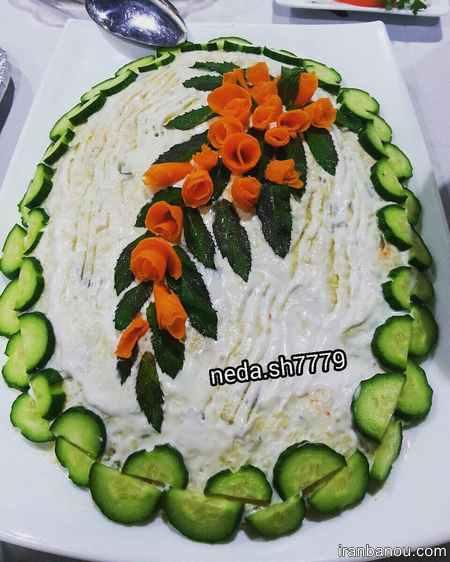 تزیین سالاد الویه به شکل کیک تولد